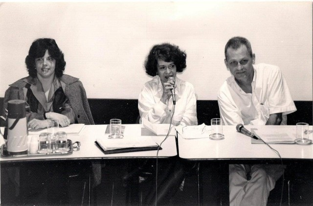 JUNHO DE 1996 - BEATRIZ AMARAL em MESA QUE COORDENOU NO CENTRO CULTURAL AO LADO DE ALICE RUIZ E JOSÉ MIGUEL WISNIK