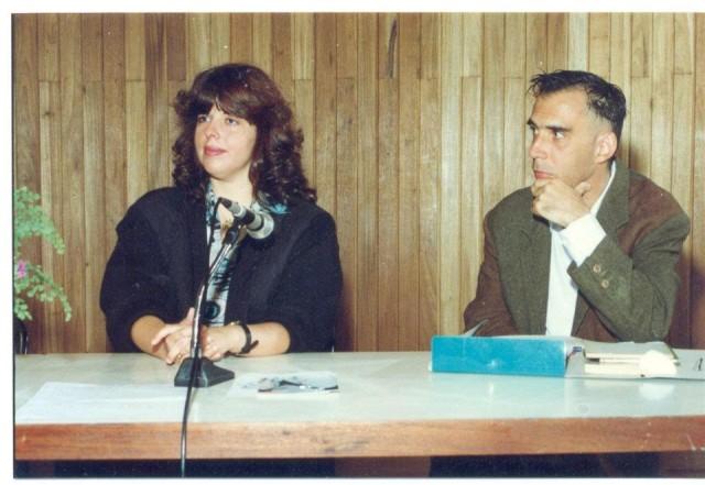 BEATRIZ AMARAL e ARNALDO ANTUNES EM OUTUBRO DE 1997 – MESA EM HOMENAGEM AO CENTENÁRIO DE NASCIMENTO DO EXTRAORDINÁRIO POETA E MÉDICO EDGARD BRAGA – NA BIBLIOTECA MÁRIO DE ANDRADE