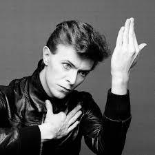 Bowie, sempre contumaz