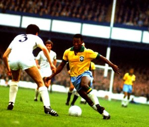 pele-playing-brazil